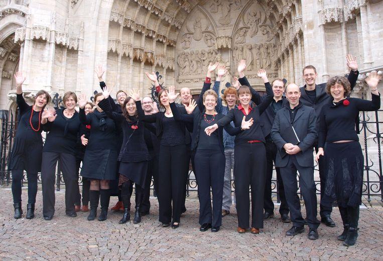 Leden van het CBM-koor voor de OLV Ten Poel kerk.