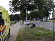 Fietser zwaargewond naar ziekenhuis na botsing in Wilbertoord