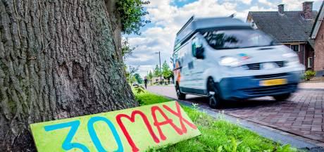 Verkeersorganisatie wil drempels in strijd tegen hardrijders door Voorst, maar gemeente niet enthousiast