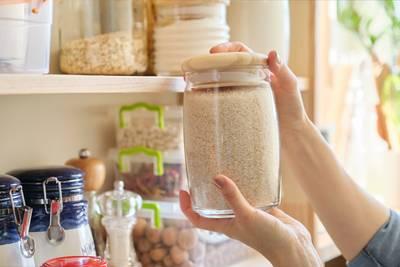 Olijfolie, suiker en zout: zo lang blijft eten in je voorraadkast eetbaar