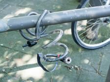 Man met tang en twee gestolen fietsen gepakt