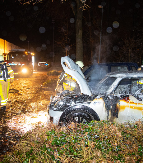 Derde autobrand in twee weken tijd in Zwolle