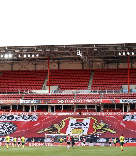 PSV-supporters kunnen overledene met lichtje op de tribune eren