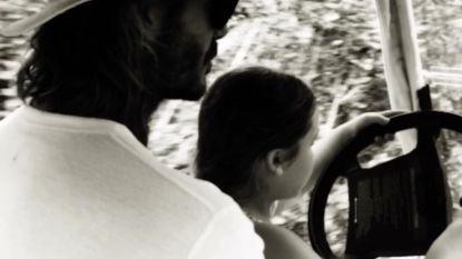 Schattig of levensgevaarlijk: David Beckham laat 6-jarige dochter met de auto rijden