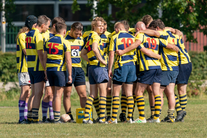 De rugbyers van RC Betuwe uit Bemmel komen vanavond bijeen om te praten over de matige opkomst. De ploeg moet steevast met te weinig spelers op pad.