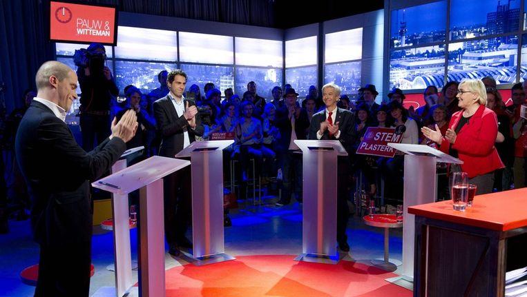 Diederik Samsom, Martijn van Dam, Ronald Plasterk en Lutz Jacobi tijdens het televisie-debat. Beeld null