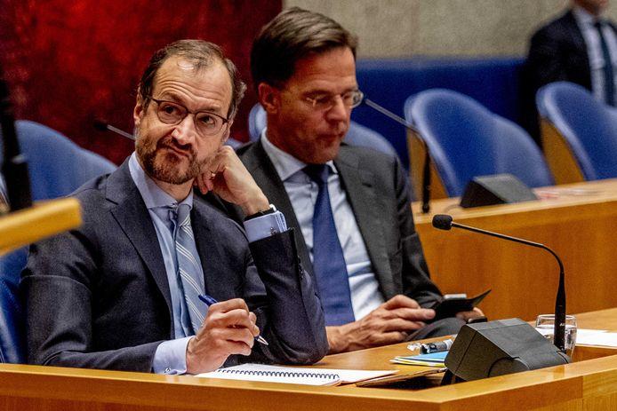 Minister Eric Wiebes (Economische Zaken en Klimaat) en premier Mark Rutte