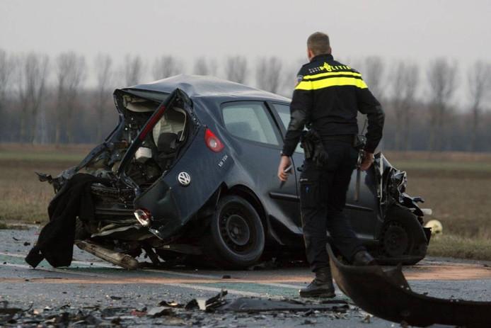 Ravage na een dodelijk ongeval op de Tractaatweg, februari 2015.