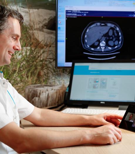 Beeldbellen tussen patiënt en arts: zo kan het consult ondanks coronacrisis gewoon doorgaan