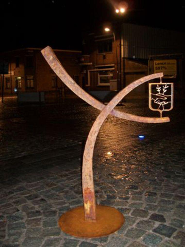 De maquette die gemaakt werd voor het kunstwerk. Het zal worden geplaatst zonder het embleem van Welle.