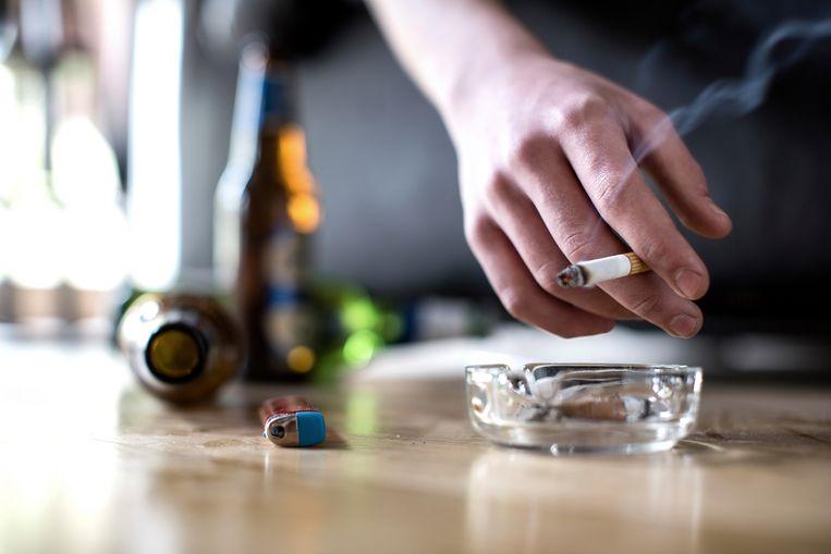 Beeld ter illustratie. Belg rookt en drinkt minder dan vroeger, maar is wel te dik.