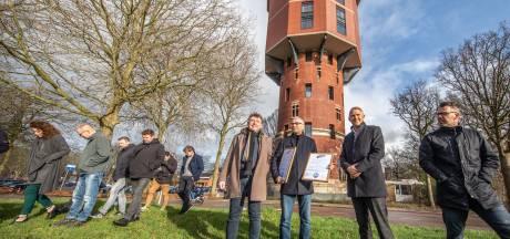 Van vormeloze pilaar naar luxe woningen: watertoren wint in Zwolle de Pluim
