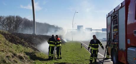 Verkeersoverlast door bermbrand Kaatsheuvel