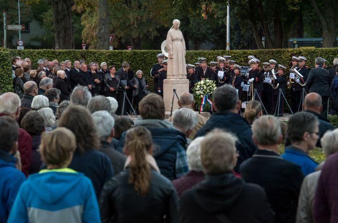 De herdenking van de razzia van Putten wordt elk jaar nog druk bezocht.