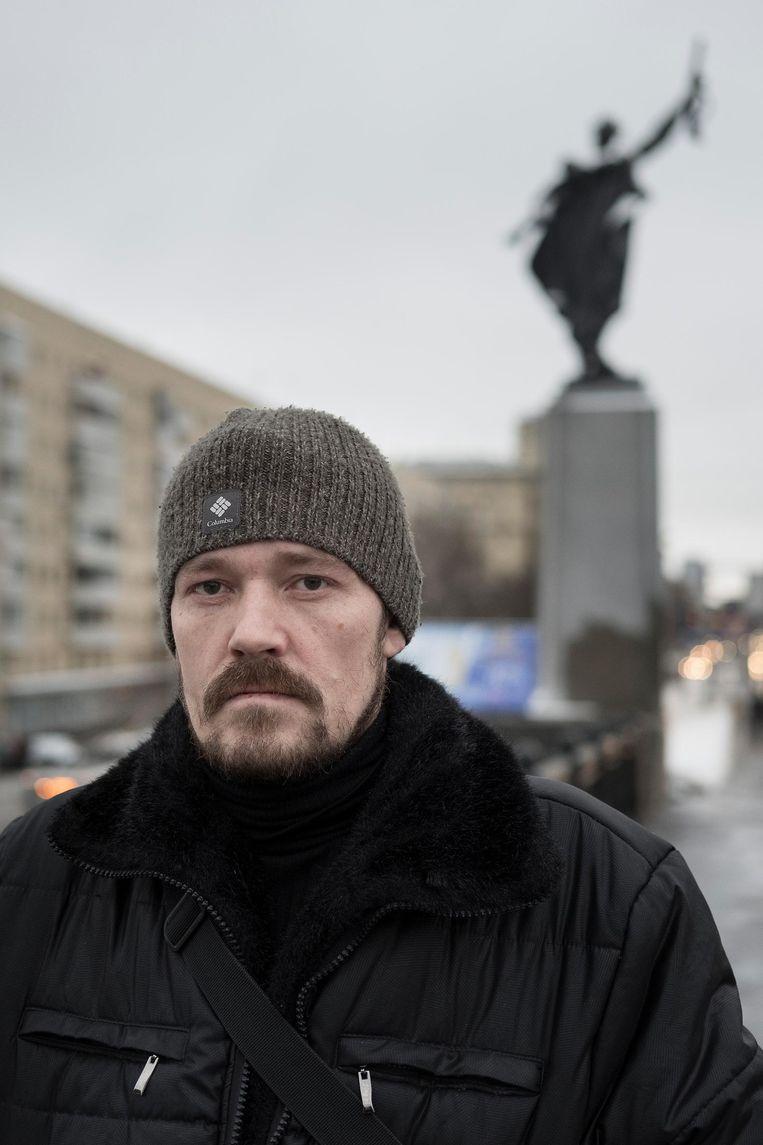 Pavel Sjibin (41) werkt bij de overheid, als manager bij een centrum dat apparatuur voor kankeronderzoek verstrekt. Hij is vader van zes kinderen. Beeld Trouw