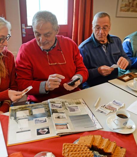 Rekkenaren ruilen historische plakplaatjes: 'Bingo!'