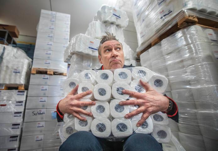 Sjaak Bral heeft wc-papier genoeg.