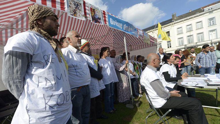 Koerden in hongerstaking op het Luxemburgplein in Brussel.