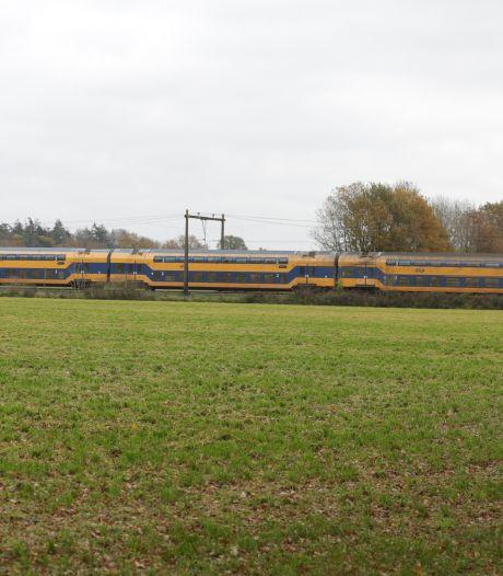 Treinverkeer uren plat tussen Almelo en Deventer na aanrijding