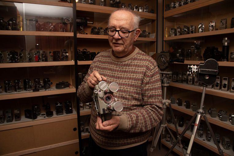 Theo Ceelen heeft het kleinste cinematografische museum van Europa met 271 filmcamera's.