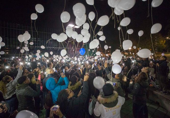 Honderden mensen namen in Goes deel aan de stille tocht ter nagedachtenis aan Ezra Trinidad.
