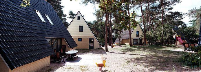 Woningen op recreatiepark De Katjeskelder in Oosterhout © Jan Verhoeff
