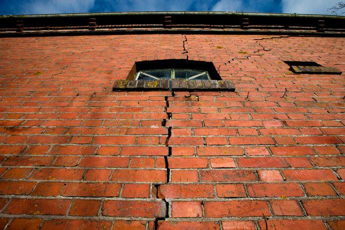 Het Nederlandse kabinet wil medio 2022 met de winning in Groningen, die in de regio voor aardbevingen zorgt, stoppen.