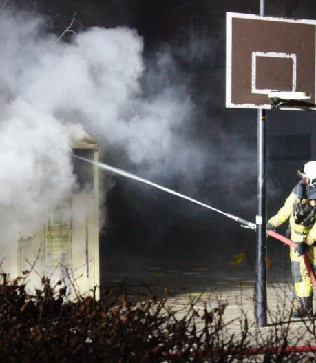 Vandalen stichten brand in kledingcontainer in Doetinchem