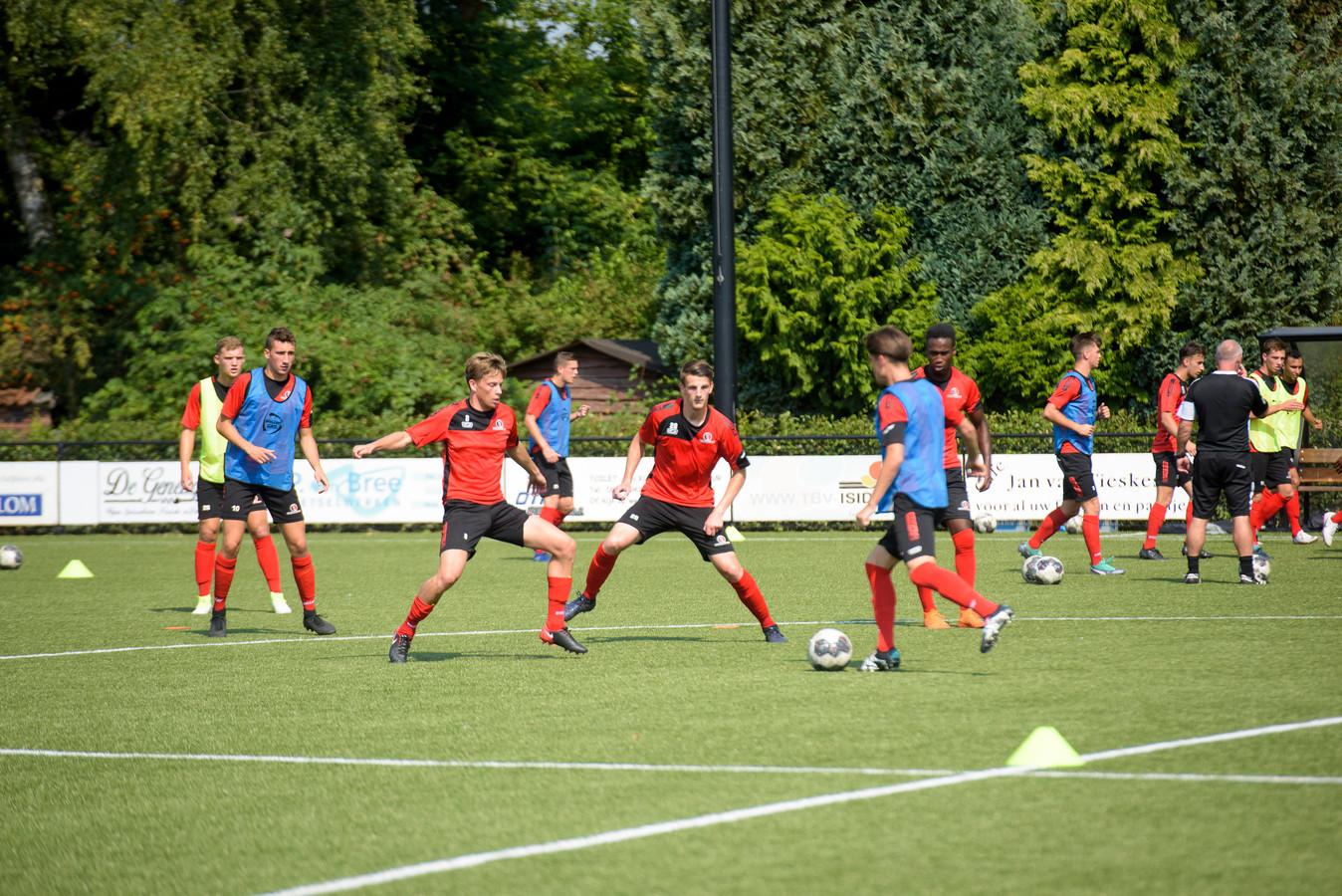 Helmond Sport trainde afgelopen week op de velden van SSE in Someren-Eind.