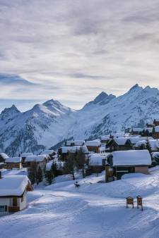 Honderden euro's besparen op je skivakantie: zo doe je dat