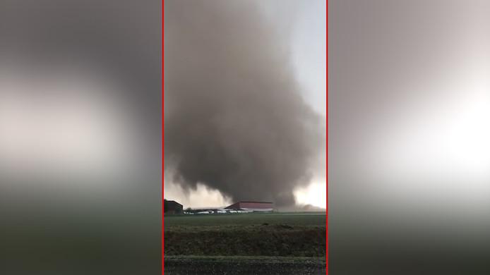 De tornado richtte flink wat schade aan
