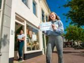 Reeuwijkse Jara (16) in actie voor werkgever Miss Nice Banana: 'Dankzij haar ben ik niet meer stil en verlegen'