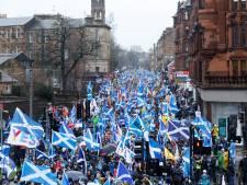 Tienduizenden Schotten demonstreren in regen voor onafhankelijkheid