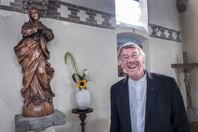 Pastoor Eric Smits (65) verlaat na 16 jaar de parochie van Millingen aan de Rijn. Hij gaat naar Budel.