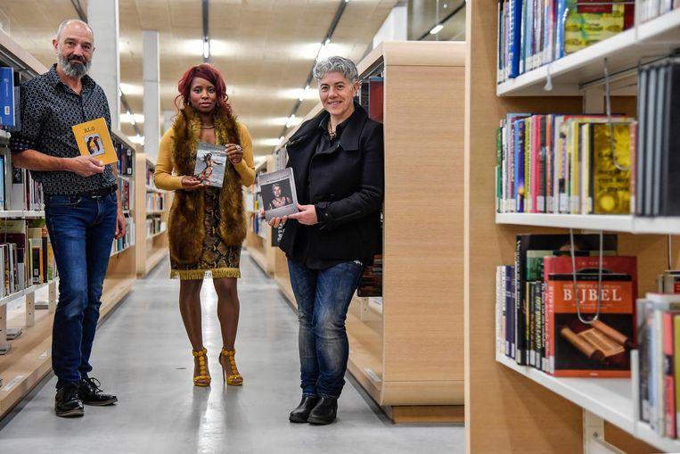 Schrijvers Peter Goossens, Arianet Apodaca en Sabine Engelen met hun nieuwe boeken.
