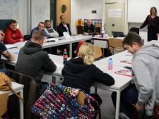 Buitenlandse werknemers krijgen speciale stoomcursus lastig Nederlands vakjargon