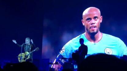 VIDEO. Noel Gallagher brengt eerbetoon aan Kompany tijdens concert in Seoul