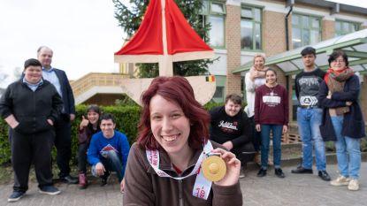 Klasgenoten vieren gouden medaille van olympisch kampioene Dana (20)