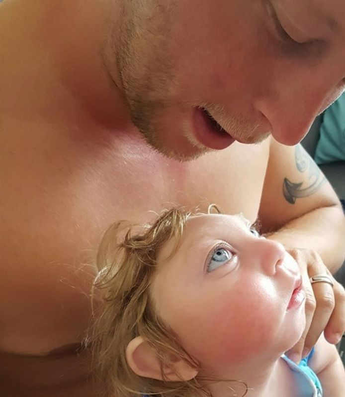 Jaxon avec son papa en 2016.