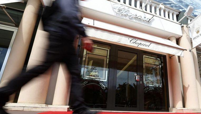 De sieraden werden gestolen bij juwelier Chopard in Cannes. Beeld reuters