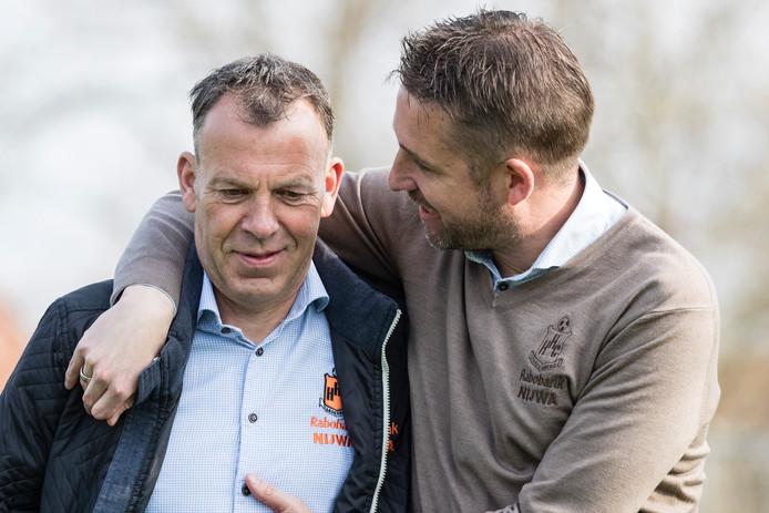 Jan Piet Bosma (links) en Gert Jan Karsten vormen een sterk trainersduo bij HHC, maar het tweetal slaat na het seizoen gescheiden wegen in.