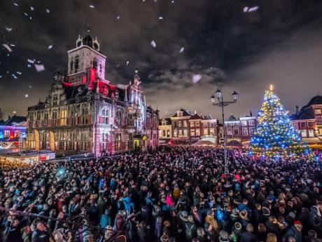 In beeld: Stralend Delft klaar voor kerstdagen