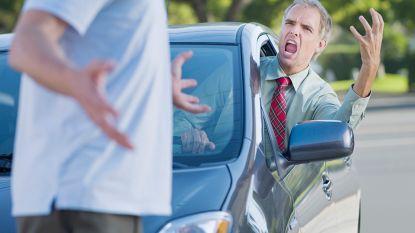 Vijftiger loopt kaakbeenbreuk op na verkeersagressie