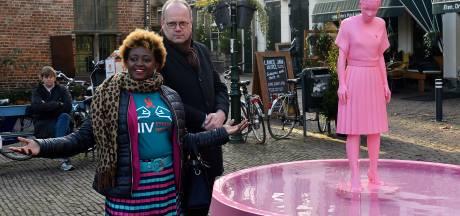 Huilend standbeeld op Lieve Vrouwekerkhof: 'Belangrijk om het hiv-stigma te doorbreken'