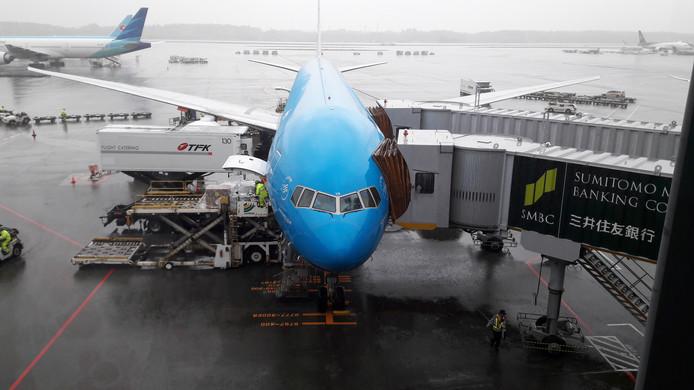 De Boeing 777-300 waarmee KLM tussen Tokio en Amsterdam vliegt.