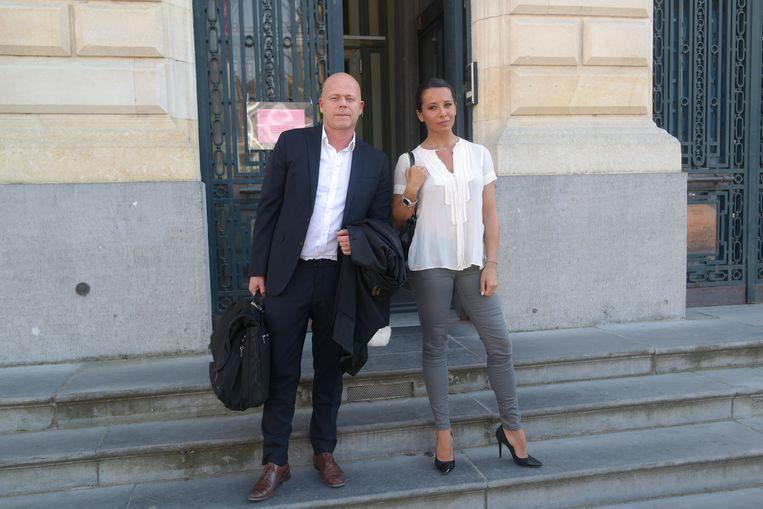 Barbara Gandolfi met haar advocaat Sven Mary.