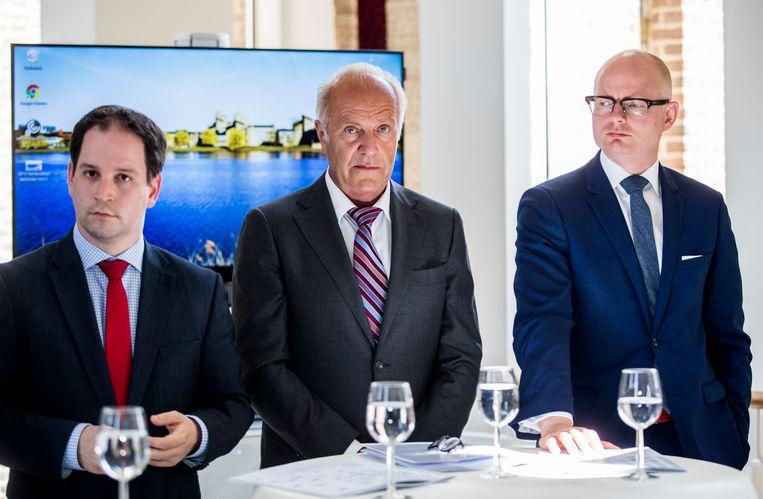 Andy Dritty (GBBL), Ruud Burlet (FvD) en Hubert Mackus (CDA) tijdens de presentatie van het collegeprogramma 2019-2023. Beeld Harry Heuts