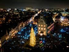 Lichtjes in de kerstboom op Goudse Markt branden weer