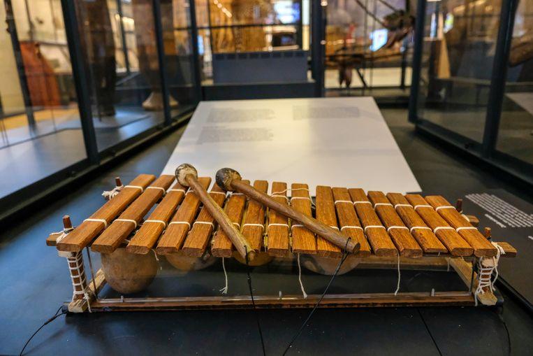Opening Afrika Museum: Bezoekers kunnnen verschillende instrumenten zelf uitproberen.