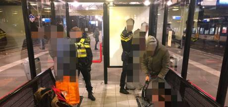 Mannen met tassen vol merkkleding aangehouden op station Nijmegen